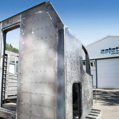 ESTET Stahl- und Behälterbau GmbH | Großkomponenten für Schienenfahrzeughersteller